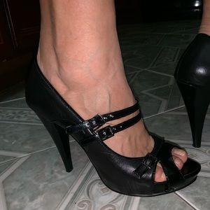 Linea Paolo Black Patent Leather Heels